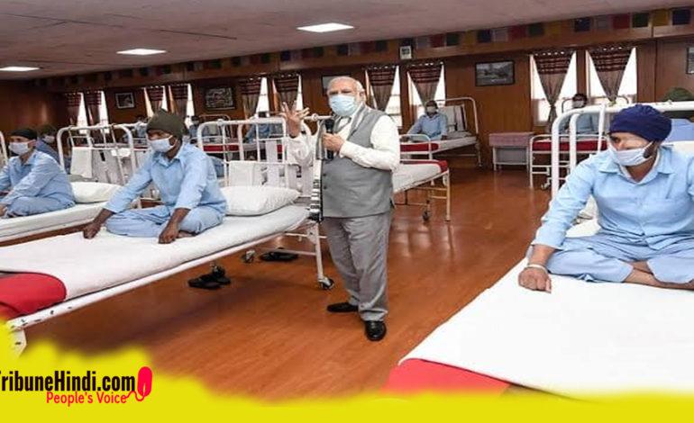 लेह के सैन्य अस्पताल में सावधान की मुद्रा में क्यों बैठे थे सैनिक ?
